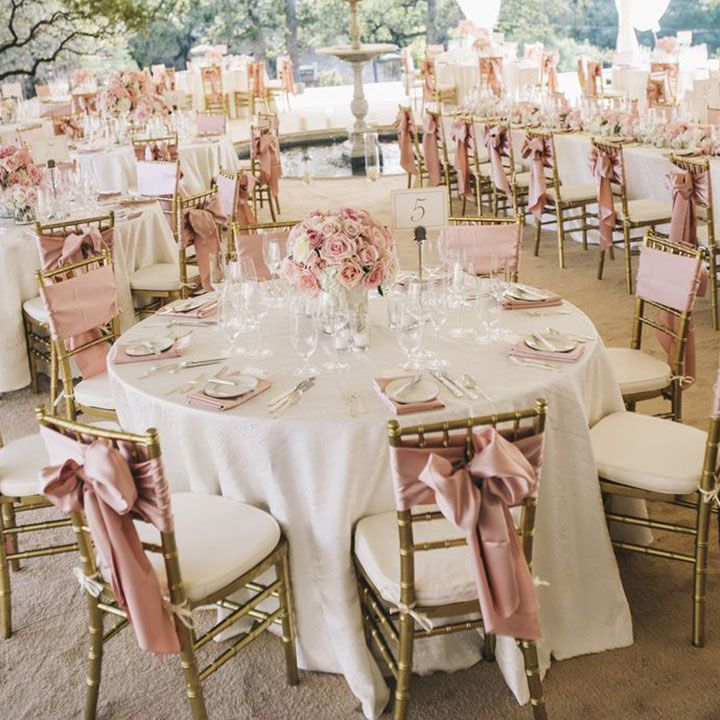 Table setting white and rose gold wedding stuff for Golden wedding table decorations