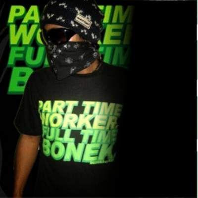 part time worker full time bonek