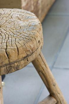 wood allowed to be   wabi-sabi  hout krukje #leenbakker.