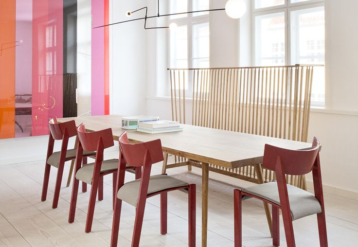 Dining table + high bench