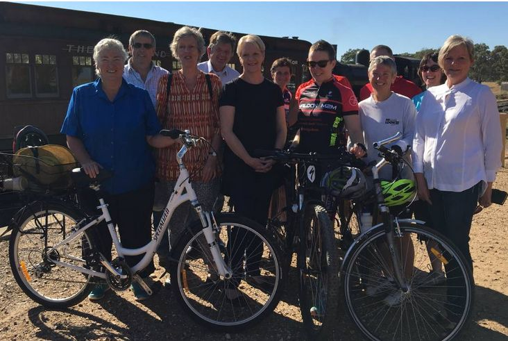 Million Dollar Rail Trail Opens In Bendigo.  It is hoped that by improving the tourist offering in the Goldfields  region, more people will come to stay in local towns, spending money in  the local business and helping to boost the economy.  Member for Bendigo West Maree Edwards said it would be good news for local hotels, restaurants and businesses.