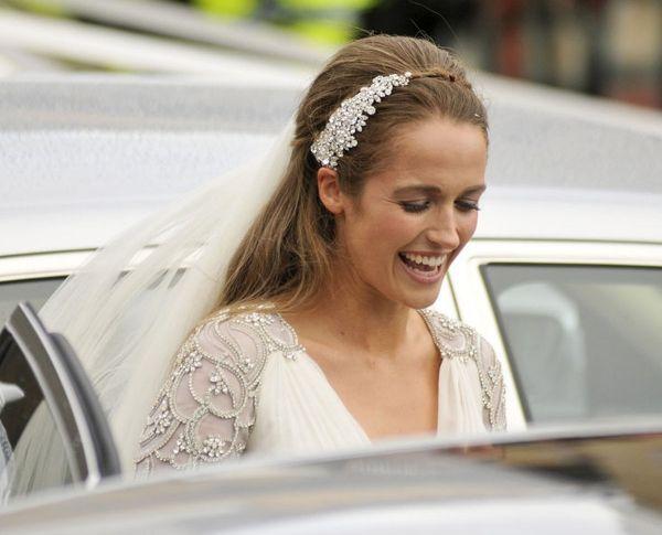 Kim Sears se casou com o tenista Andy Murray neste sábado (11/04) e usou tiara de brilhos e vestido by Jenny Packham.