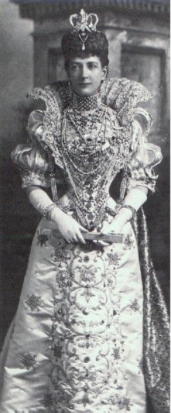 U.K. Queen Alexandra of the U.K. Wishing this picture was in color, the gems and beading on this dress are heavenly!