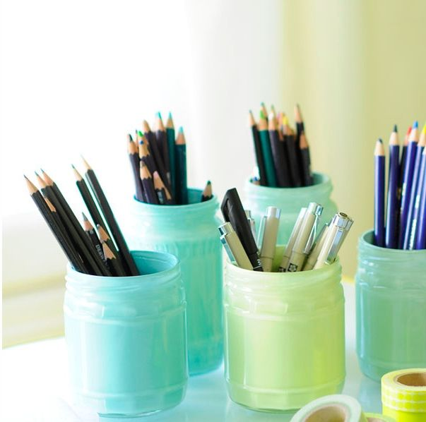 painted_jars to hold colored pencils - use acrylic paint and cover with modge podge. something on bottom of jar to keep it from slipping.