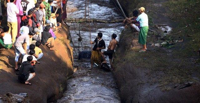 Truk Diseret Lahar Hujan – Zona Probolinggo