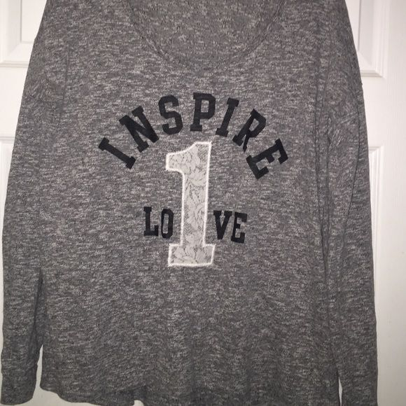 """Maurice's size large lightweight sweater/shirt Size large black/white verigated sweater/sweatshirt. Lace on the """"1"""" in the middle Maurices Sweaters Crew & Scoop Necks"""
