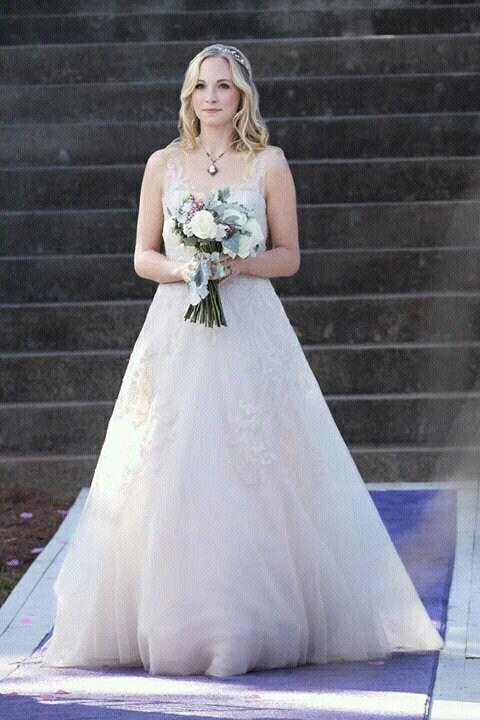 Caroline Forbes #SterolineWedding