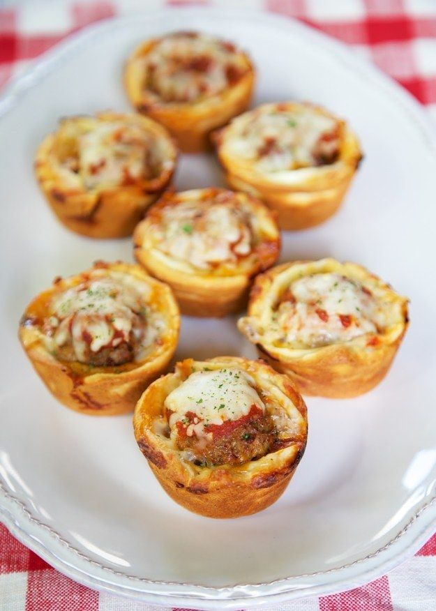 Meatball Sub Cupcakes | 28 Superbowl Snacks Worth Watching Football For