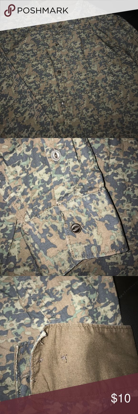Men's Army Print Button Down Size XL in nice condition Top. No stains or rips-petfree Smoke Free home attention men slim fit Shirts Casual Button Down Shirts