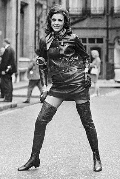 Moda Femenina De los Años 60/70 se habrán vestido así nuestras mamás?? #mialuna #moda