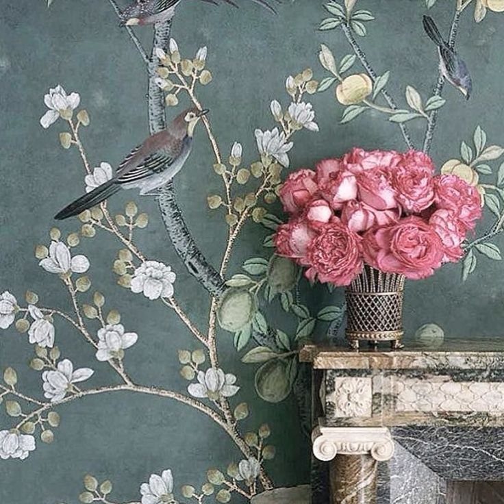 Sunday inspiration from one of my favorite de Gournay. . . #sunday #inspiration #wallpaper #degournay #interior #interiordesign #flowers #chinoiserie #team_jp_