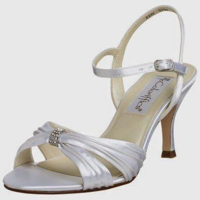 dyeable wedding shoes http://funweddingshoes.blogspot.com/2011/12/dyeable-wedding-shoes.html