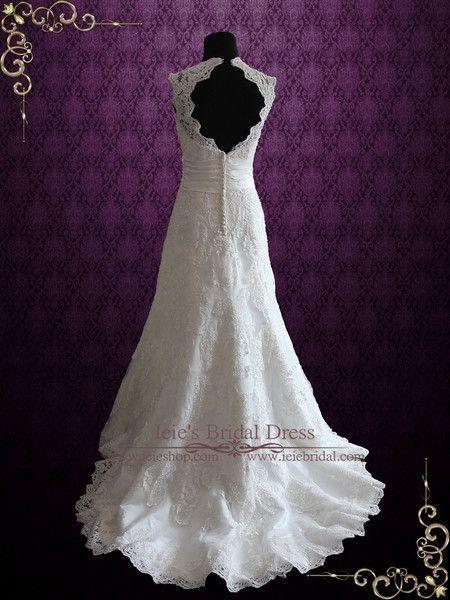 Ivory Vintage Style Lace Keyhole Back Wedding Dress with V Neck   Rayna