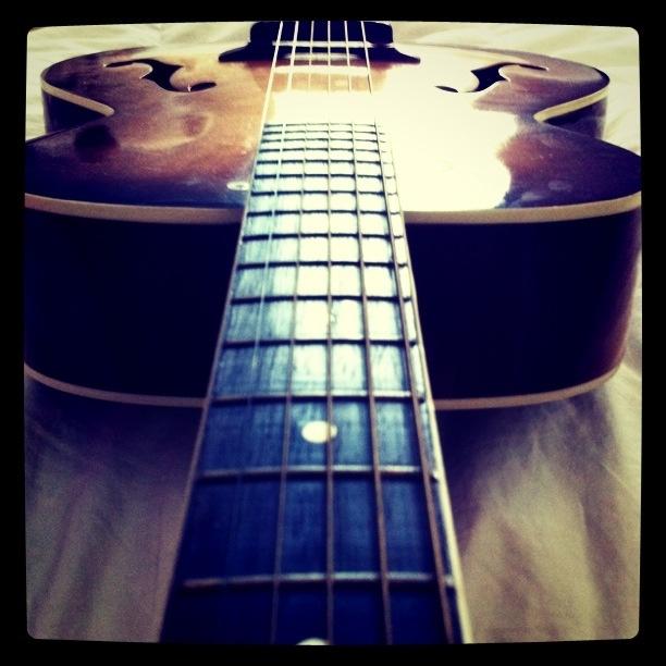 Acoustic. Silvertone.