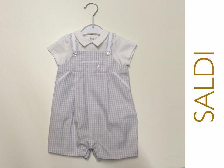 Quanti sbaciucchi si merita un bimbo vestito così? Lo trovi da Nidodigrazia in taglia 6-9 mesi a soli € 21.70. Vieni a trovarci in negozio, a Busto Arsizio (Va) e approfitta dei saldi sull'abbigliamento bambini!