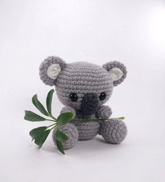 Amigurumi Knitting Patterns For Beginners : 1000+ ideas about Crocheted Toys on Pinterest Amigurumi, Crocheting and Cro...
