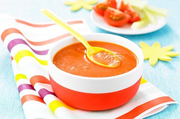 Préparation : 5 minutes – Cuisson : 2 minutes Au couteau, taillez une croix sous la tomate (à peine profonde qui sert à fendre la peau pour éviter au fruit d'éclater à la cuisson) et plongez-la 2 minutes dans l'eau bouillante. Enlevez la peau sous l'eau froide. Coupez la tomate en petits morceaux. Epluchez et...Lire la suite →