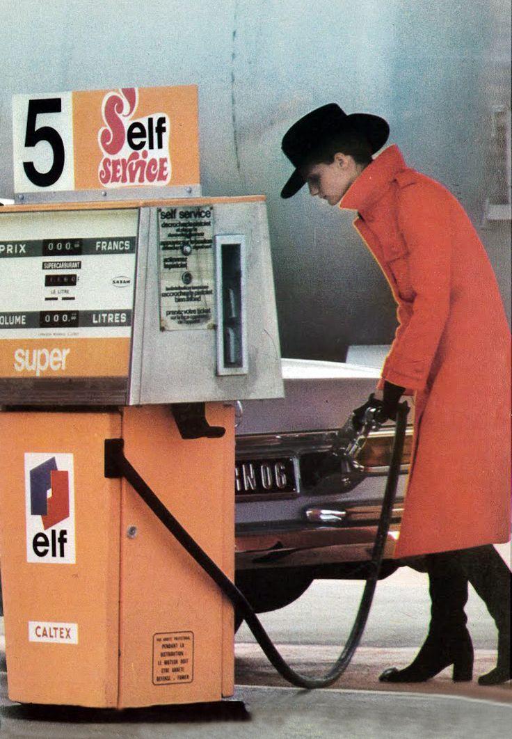 Lara Koski and unknown model by Helmut Newton Vogue 1971