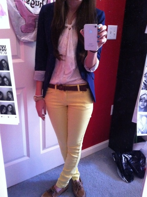 Great menswear inspired outfit! Blazer, feminine top, tailored pants WITH BELT + oxfords OR Sperry top sliders.