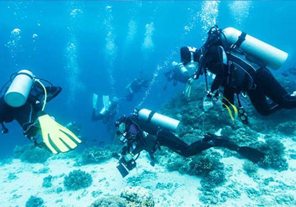 Özellikle dalışçıların gözdesi olan Kaş, sakinliği ve doğal güzelliği ile Likya'nın cennetidir <3 http://bit.ly/1IAoiDM #antalya #kas #deniz #tatil #dalış