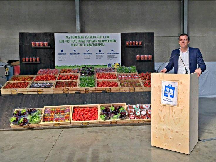 Lidl België heeft een nieuwe duurzaamheidsstrategie uitgewerkt met ambitieuze doelstellingen. Tegen 2020 wil het bedrijf bij de top retailers horen inzake verantwoord ondernemen, ook in de relaties met de handelspartners.
