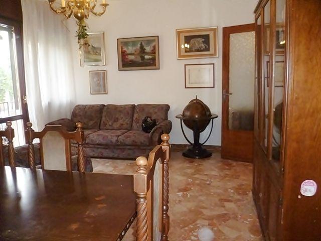 Uno stile vintage contraddistingue l'elegante salotto dell'appartamento in vendita a San Bellino. Contattateci per un appuntamento: info@pianetacasapadova it - 049/8766222.