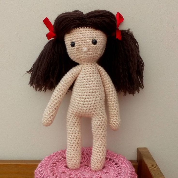 Another dolly finished. I definitely prefer them with the unstranded thicker yarn hair. This stranded hair is a bit messy looking although a lot lighter. She needs an outfit now.  We're off to the CBSO Centre tonight to see Anais playing violin with the school orchestra.  Roman breaks up from school tomorrow and Anais next week. In September they will both be in their last year of junior and secondary school. Where does time disappear to!?!? __________________________________ #crochet…