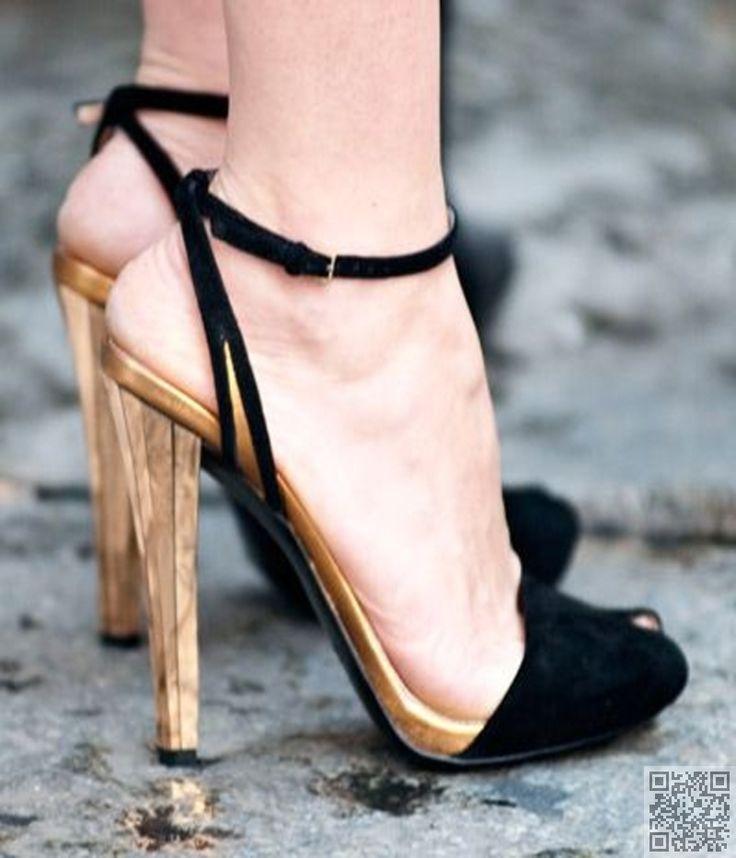 gilded high heels//