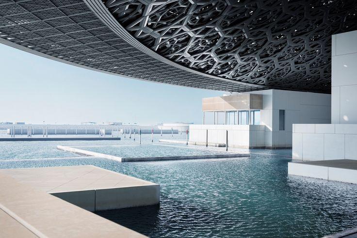 Το μουσείο του Λούβρου στο Abu Dhabi, εντυπωσιάζει με την πολυπλοκότητα της αρχιτεκτονικής μελέτης του Jean Nouvel