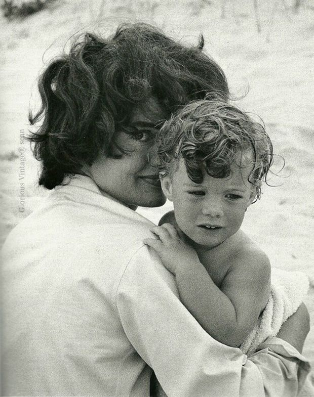 486 best jackie Kennedy ultimate fashion icon images on Pinterest ...