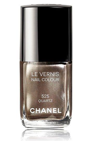CHANEL LE VERNIS NAIL COLOUR | Autumn 2011 Quartz #525 A beige with silver frost that shows fine, multi-colored glitter in full sun.