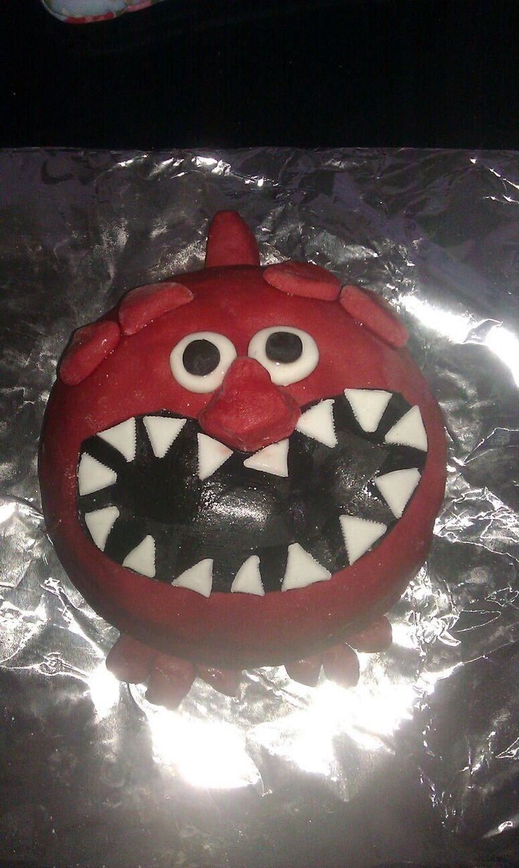 Red Nose Day cake for raffle - good idea !