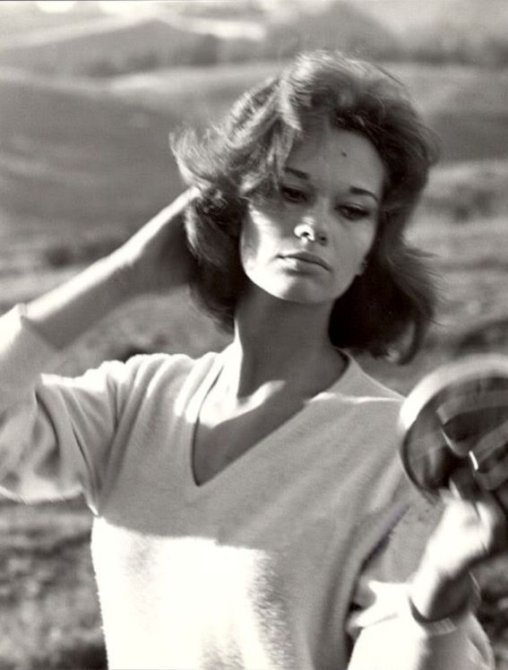 """Lea Massari was the daughter of a wealthy Roman family. She often starred in French films during the 1970s and was best known for her role as Louis Malle's character in """"Murmur of the Heart"""" (1971)."""