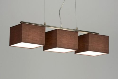 Uma luminária pendente . Compre agora através deste link www.luminaria.eu . . A luminária possui 3 lâmpadas. Decoração de loja . Candeeiros /sala de estar Candeeiros /sala de estar, sala de jantar cozinha candeeiro Sem custos custos de envio