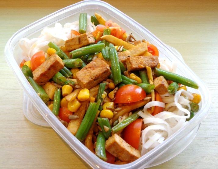 Recept do krabičky: Rýžové nudle s tofu | Žij zdravě