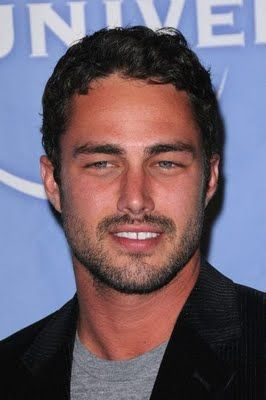 Taylor Kinney, Actor: Chicago Fire. Taylor Kinney is an American actor and model. He is known for his role as Kelly Severide on hit TV series Chicago Fire, on NBC, as werewolf Mason Lockwood on The Vampire Diaries, on The CW, and as Glenn Morrison on Trauma, which aired on NBC. Kinney was born in Lancaster, Pennsylvania, to Pamela (Heisler) and Daniel Kinney. He is of German, Swiss-German, and English ancestry. Taylor and his three ...