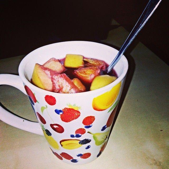 Hot wein with fruits <3 #drink #wein #hotwein #together #friends #cantwaitforchristmas #christmastime