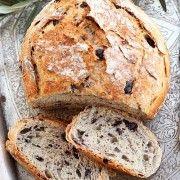 Paine Rustica cu masline (Rustic Italian Olive Bread)