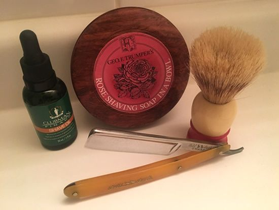 Pre-shave: Clubman Pinaud Shaving soap: Geo F. Trumper's Rose Straight razor: Pearlduck dubl duck Dwarf (vintage) Shaving brush: Ever-Ready C40 (vintage) Straight razor honing: Jnat edge by ricky2sharp  The Dwarf's blade is 9/16″ shorter than the dubl duck Special No. 1; better for detail work and travel.