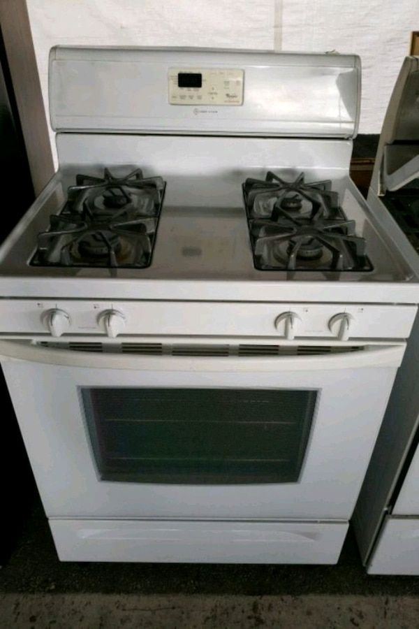 Used Excellent Conditions Whirlpool Gas Stove for sale in Ocala