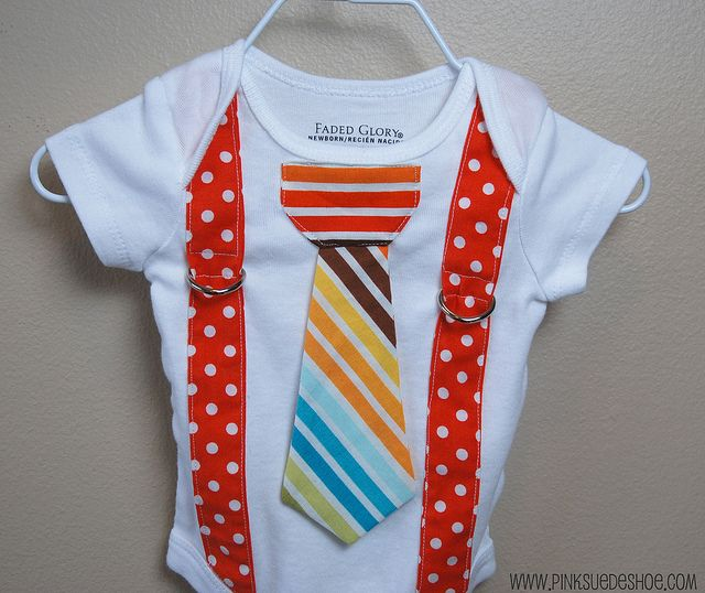 I'm making this for Henry to wear on Easter.  Adorable!