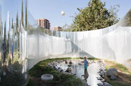 El pasado 3 de marzo se inauguró el YAP CONSTRUCTO 6: Tu Reflexión, programa desarrollado por Constructo en asociación con el MoMA y que permanecerá abierto al público de manera gratuita hasta el 30 de abril en el Parque Araucano.