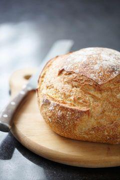 Einfaches Rezept zum Brotbacken: Brotbacken für Anfänger: Brot im Top - GLAMOUR