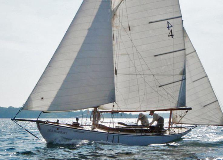 17 best images about canoe yachts on pinterest gardens for 68 garden design gaff rigged schooner