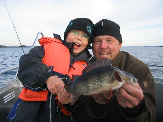 The waters of Linnansaari National Park are known to be rich of fish. You may catch pike, perch, pike-perch, trout and in fall also Saimaa salmon. Photo: Saimaa holidays
