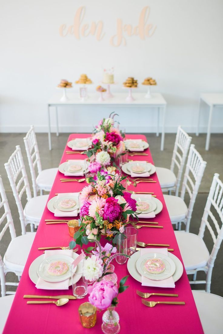 Gorgeous Hot Pink Table Runner Seen At A Birthday Party Table Settings Pink Birthd In 2020 Birthday Dinner Party Birthday Party Tables Dinner Party Decorations