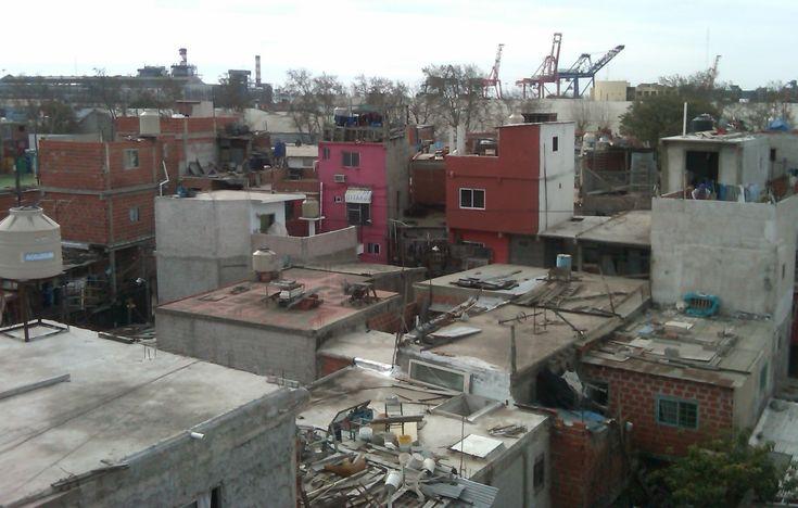 El enfoque de las políticas públicas sobre el elemento-tópico vivienda está agotado. Es necesaria una visión integral sobre la problemática que se... http://www.plataformaarquitectura.cl/cl/793361/como-abordar-el-deficit-habitacional-estrategias-para-la-definicion-de-una-politica-nacional-argentina?utm_medium=email&utm_source=Plataforma%20Arquitectura