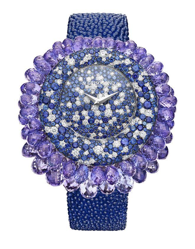 La montre Grappoli en saphirs De Grisogono haute joaillerie montre en pierre bleu Place Vendôme diamants carat http://www.vogue.fr/joaillerie/a-voir/diaporama/16-bijoux-des-collections-haute-joaillerie-juillet-2015-de-la-place-vendme/21484#la-montre-grappoli-en-saphirs-de-grisogono