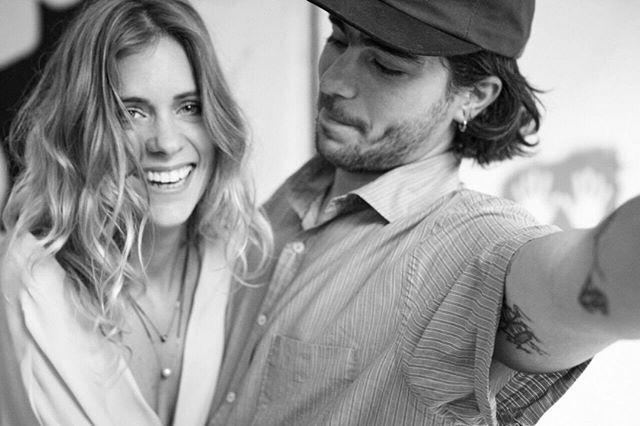 O designer de joias @ara_vartanian criou uma coleção especial de colares para o Dia dos Namorados. As peças feitas com vários tipos de pedras foram desenvolvidas em parceria com o artista plástico Sandro Akel fotografado para a campanha ao lado da namorada Lívia Lobato. (Foto: Ana Moock) . . . #Moda #AcessóriosFemininos #AraVartanian  via MARIE CLAIRE BRASIL MAGAZINE OFFICIAL INSTAGRAM - Celebrity  Fashion  Haute Couture  Advertising  Culture  Beauty  Editorial Photography  Magazine Covers…