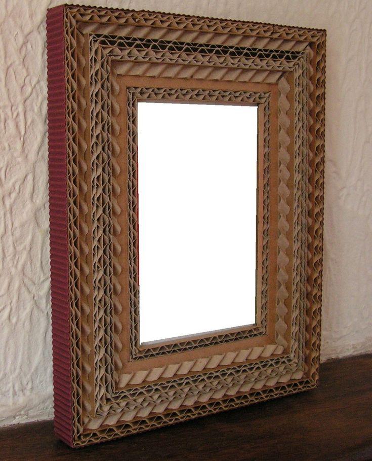 Cadre en dentelle de carton et carton ondulé marron